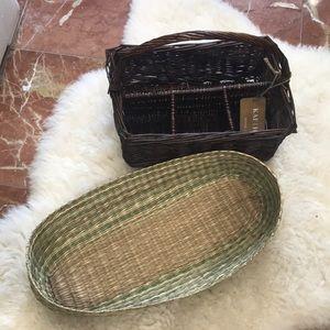 Set of breadbasket and utensils caddy